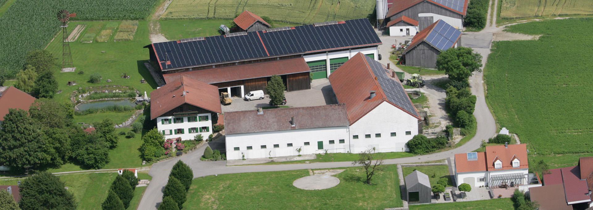 Hofbauernhof-Schemmer-Luftaufnahme